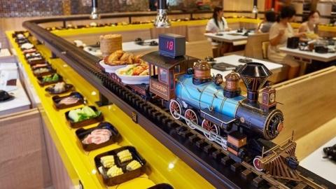 บุฟเฟ่ต์อาหารอิสานสุดแซ่บ!! เสิร์ฟด้วยรถไฟด่วนแค่ 299 บาท