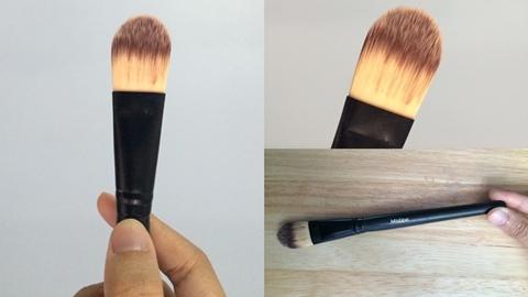 แปรงแต่งหน้าราคาถูก Mistine Beauty Foundation Brush ถูกและดี แค่ 49 บาท!!!