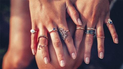 ความหมายของการสวมแหวนในแต่ละนิ้ว ส่งผลดีหรือผลร้ายต่อตัวเราอย่างไร