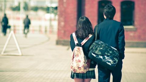 ทำไมคู่รักในวัยเรียนบางคู่ ถึงไปกันไม่รอด?