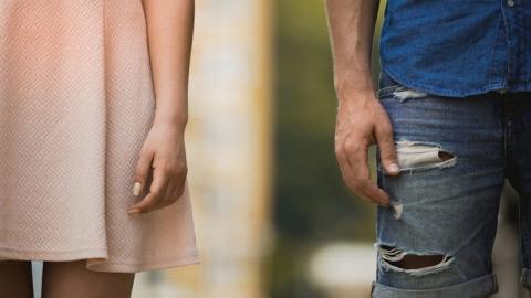 การจบความสัมพันธ์แบบเพื่อน รู้สึกแย่กว่าการเลิกกับคนรัก