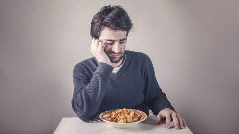 วิธีการรับมือกับอาการเบื่ออาหาร เพื่อป้องกันภาวะขาดสารอาหาร