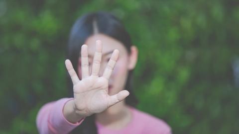 ลายมือ รากไม้ บอกถึงตัวตนและชีวิตของบุคคลนั้นได้