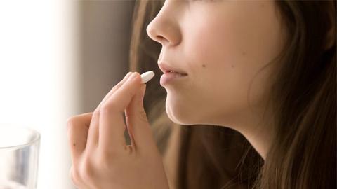 สาวๆควรรู้ การรักษาสิวด้วยยาชนิดต่างๆ เพื่อดูแลผิวเป็นสิวได้อย่างถูกวิธี