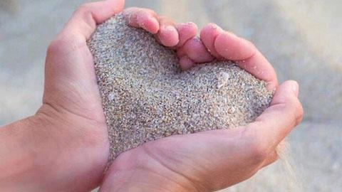 ความรักกับข้อคิดเรื่อง ''ทรายในกำมือ'' อยากมีชีวิตคู่ที่ราบรื่นควรอ่าน!