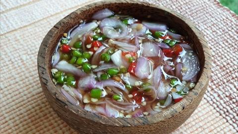 คำว่า น้ำปลาพริก หรือ พริกน้ำปลา ใช้แบบไหนถึงจะถูก?