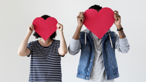 มีแฟนอายุน้อยกว่า จะดูแลความรักครั้งนี้อย่างไรให้รอดผ่านไปได้แบบยาวๆ