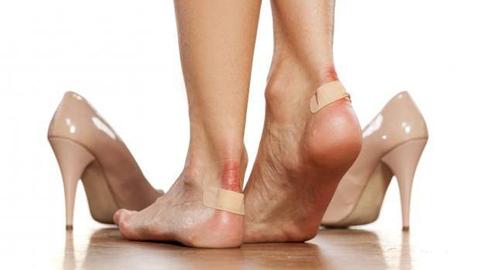 วิธีเปลี่ยนรองเท้ากัดได้กัดดีให้เป็นรองเท้าคู่ใจ ใส่สบายในทุกๆ วัน
