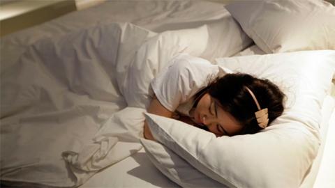 นอนไม่พอระหว่างสัปดาห์ แล้วมานอนชดเชยในช่วงวันหยุดแทนได้จริงหรือ?