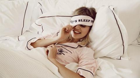 นอนดึก ทำร้ายสุขภาพ...นอนเร็ว ได้รับประโยชน์เพียบ!!!
