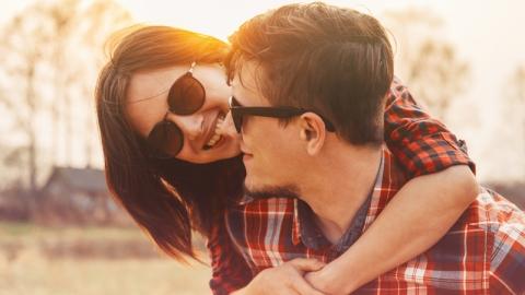เช็คดูจากพฤติกรรมแฟนว่ากำลังคบซ้อนกับใครอีกคนอยู่ด้วยหรือไม่