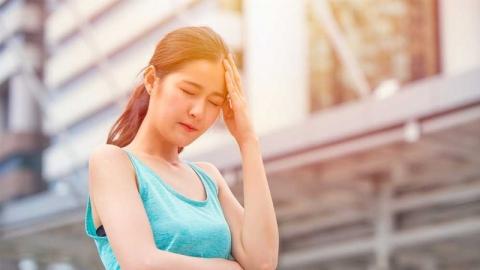 การปวดศีรษะในช่วงหน้าร้อนเกิดจากสาเหตุใด?