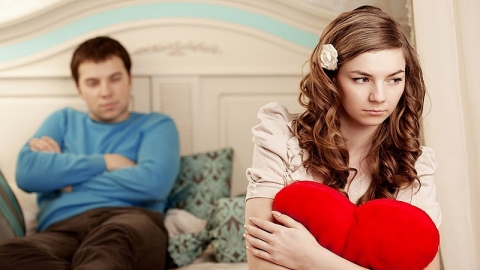 8 อาการที่บอกว่า รักไม่มีอนาคต ฝืนคบไปคงไม่ถึงฝั่ง