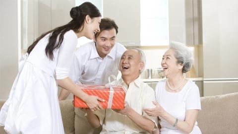 การดูแลพ่อแม่ ดูแลครอบครัว ถือเป็นการสร้างบุญที่ยิ่งใหญ่ในชีวิต