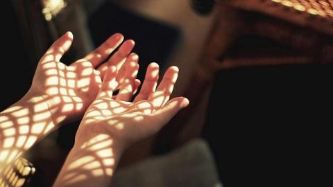 สถานการณ์ หรือความคิดที่ทำให้คนดีๆ คนหนึ่ง ต้องกลายมาเป็นมือที่สามแบบไม่ได้ตั้งใจ