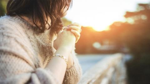สาวโสดที่อยากมีคู่อ่านด่วน!!! วิธีอธิษฐานเรื่องความรัก